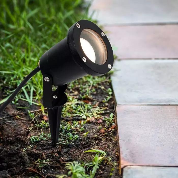 Garden Spike Lights - Simple Lighting Blog